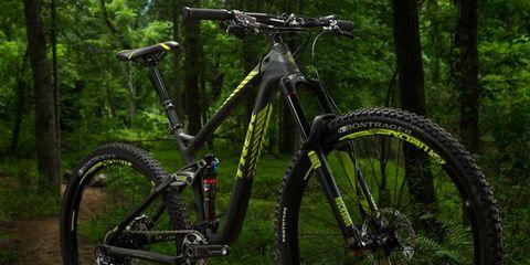 Bicycle tire, Bicycle frame, Tire, Wheel, Bicycle wheel rim, Bicycle wheel, Bicycle fork, Bicycle part, Bicycle stem, Mountain bike,