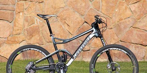 Tire, Bicycle tire, Bicycle frame, Wheel, Bicycle wheel, Bicycle wheel rim, Bicycle fork, Bicycle part, Bicycle handlebar, Crankset,