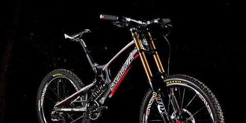 Bicycle tire, Wheel, Bicycle wheel rim, Bicycle frame, Bicycle wheel, Bicycle fork, Bicycle part, Spoke, Bicycle, Bicycle accessory,