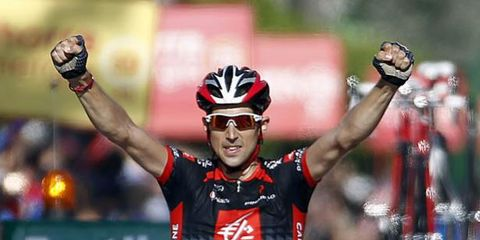 Eyewear, Glasses, Helmet, Vision care, Sports uniform, Bicycles--Equipment and supplies, Bicycle helmet, Sports gear, Bicycle jersey, Sportswear,