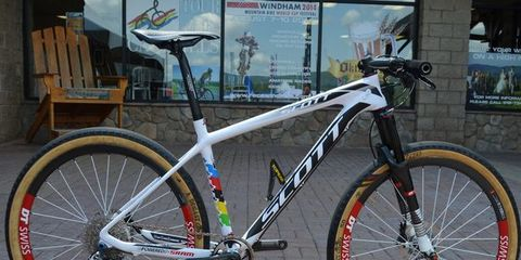 Bicycle tire, Tire, Bicycle frame, Wheel, Bicycle wheel rim, Bicycle wheel, Bicycle fork, Mode of transport, Bicycle part, Bicycle,