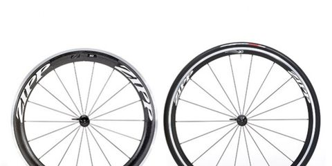 Bicycle wheel rim, Spoke, Rim, Bicycle wheel, Line, Bicycle tire, Bicycle part, Synthetic rubber, Parallel, Grey,