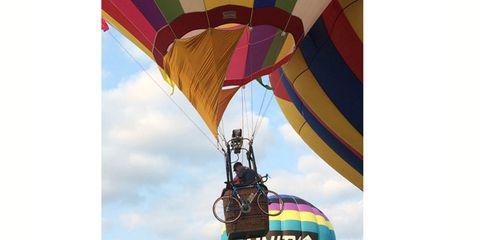 Mode of transport, Fun, Recreation, Leisure, Summer, Air sports, Outdoor recreation, Hot air ballooning, Adventure, Tourism,