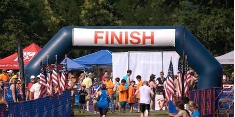 Recreation, Endurance sports, Crowd, Racing, Inflatable, Competition, Flag, Athlete, Banner, Triathlon,