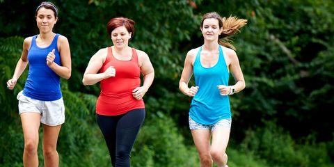Footwear, Leg, Recreation, Sportswear, Sleeveless shirt, People in nature, Summer, Running, Endurance sports, Active tank,