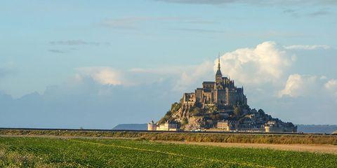 mont saint michel chateau