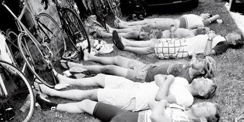 Leg, Bicycle wheel rim, Human leg, Bicycle wheel, Bicycle tire, Bicycle, Spoke, Rim, Thigh, Bicycle saddle,