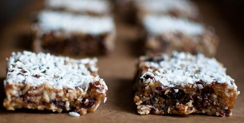 4 Supersimple Protein Bars You Can Make at Home