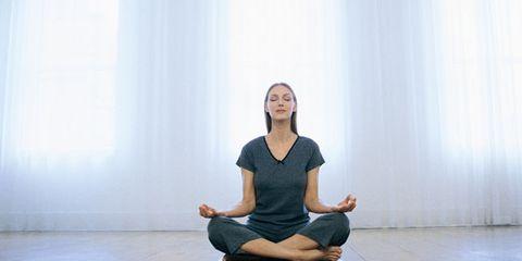 Finger, Floor, Human body, Flooring, Shoulder, Elbow, Sitting, Human leg, Wrist, Joint,
