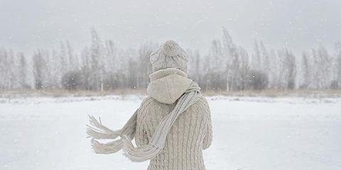 Winter, Sleeve, Textile, Freezing, Snow, Atmospheric phenomenon, Hoodie, Hood, Beige, Street fashion,