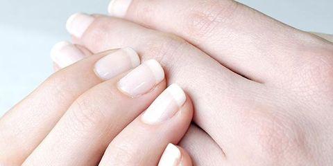 Finger, Skin, Nail, Thumb, Photography, Close-up, Flesh, Nail care,