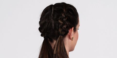 Ear, Hairstyle, Chin, Forehead, Shoulder, Earrings, Style, Hair accessory, Neck, Long hair,