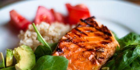 Food, Cuisine, Ingredient, Leaf vegetable, Dish, Recipe, Plate, Dishware, Garnish, Herb,