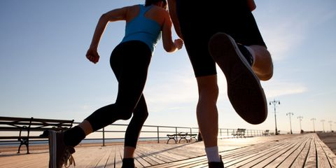 Leg, Human leg, Shoe, People in nature, Knee, Athletic shoe, Thigh, Calf, Playing sports, Sneakers,