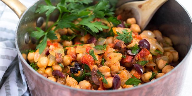 20-Minute Healthy Dinner: Spicy Chickpea Salad