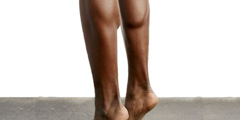 Toe, Skin, Human leg, Joint, Slipper, Barefoot, Foot, Organ, Tan, Muscle,