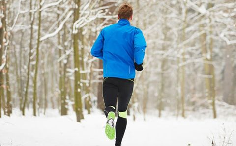 f608e7674029fb 10 Tips For Running In The Cold | Runner's World