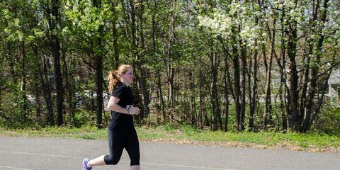 Leg, Road, Asphalt, Human leg, Road surface, Active pants, Sportswear, Running, Knee, Athletic shoe,