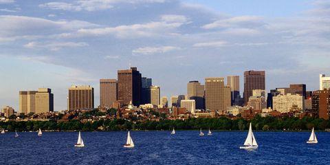 Watercraft, Sail, Boat, Water, Tower block, Sailing, Building, Sailboat, Sailing, Windsports,
