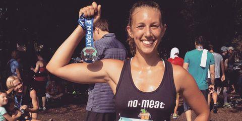 Face, Arm, Sleeveless shirt, Active tank, Long-distance running, Endurance sports, Muscle, Athlete, Running, Ultramarathon,