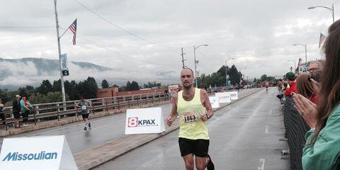 Infrastructure, Road, Endurance sports, Quadrathlon, Running, Asphalt, Long-distance running, Active shorts, Exercise, Flag,