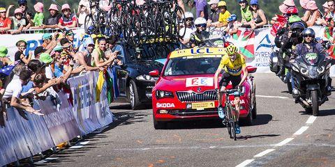 Chris Froome Wins 2015 Tour de France Stage 10