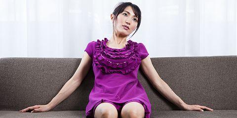 Finger, Sitting, Shoulder, Human leg, Joint, Purple, Wrist, Pink, Magenta, Elbow,