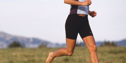Human leg, Joint, Elbow, People in nature, Barefoot, Knee, Active shorts, Calf, Wrist, Muscle,