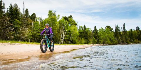 Advocate Cycles Watchman bike on a beach