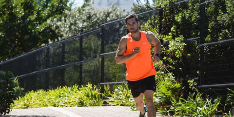 Human leg, Running, Active shorts, Athletic shoe, Endurance sports, Asphalt, Shorts, Exercise, Knee, Long-distance running,