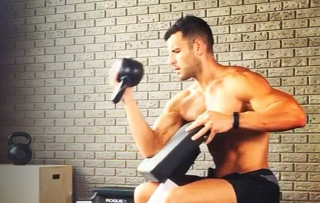 Never Do Curls with Kettlebells, Unless It's One of These 5 Exercises
