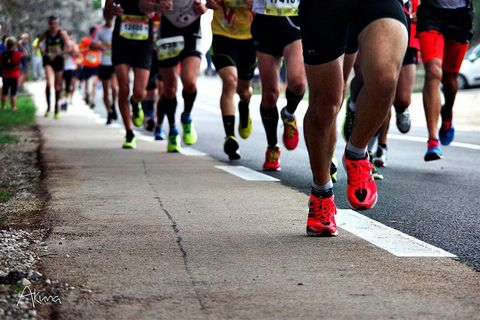 Where Should Your Feet Land While Running?