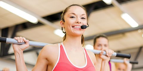 Audio equipment, Microphone, Chin, Sportswear, Shoulder, Chest, Joint, Sleeveless shirt, Elbow, Active tank,