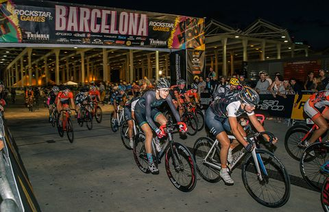 Why Everyone's Stoked on Red Hook Crits   Bicycling