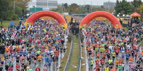 People, Crowd, Recreation, Endurance sports, Racing, Athlete, Arch, Individual sports, Pedestrian, Long-distance running,
