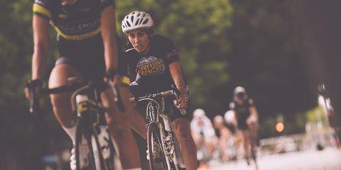 Wolfpack Hustle criterium women riders