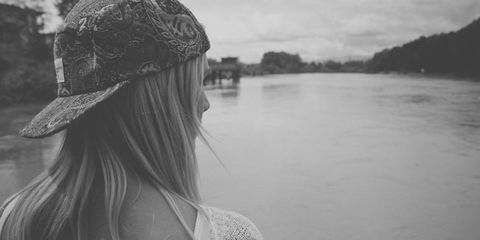 Hairstyle, Style, Headgear, Back, Monochrome, Bank, Monochrome photography, Reservoir, Black-and-white, Long hair,