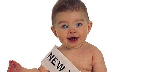 Ear, Cheek, Finger, Skin, Shoulder, Baby & toddler clothing, Jaw, Chest, Neck, Wrist,