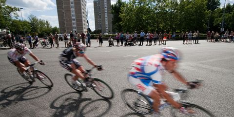 pro cycling: photo of a breakaway group of riders in the Tour de France