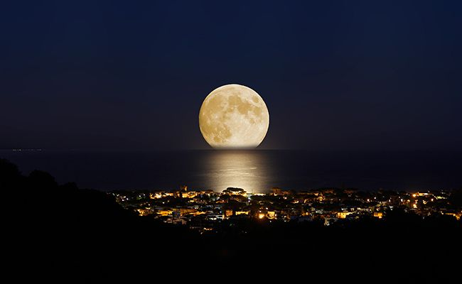 5 Ways The Moon May Impact Your Health