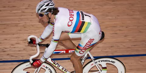 He may not have been cursed, but this 2007 rainbow jersey wasn't doing Bradley Wiggins any favors.