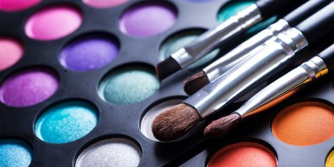 eye shadow palette with makeup brushes