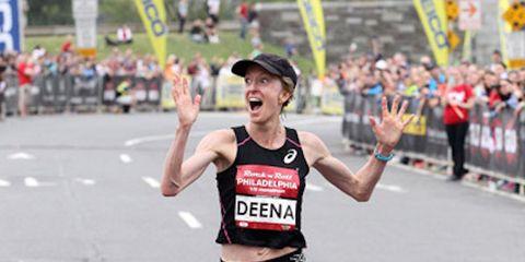 Deena Kastor sets masters world half marathon record.