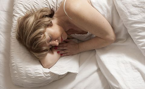 6 Ways To Sleep Your Way To Weight Loss