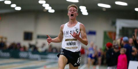 Drew Hunter sets the high school 3,000-meter record.