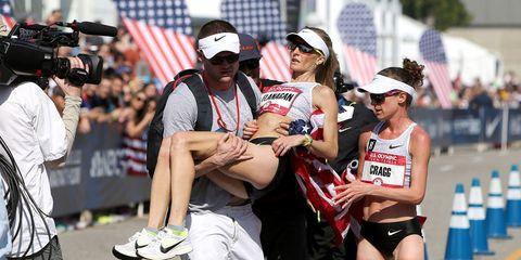 Shalane Flanagan collapses at the finish line