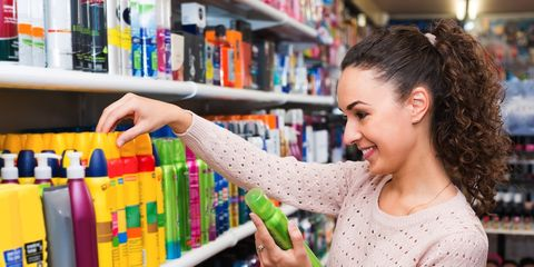 woman shopping for dry shampoo