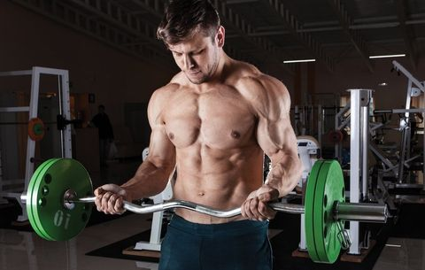 Why You Feel the Need to Grunt When You Lift Weights