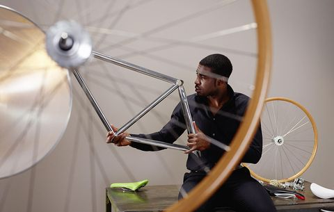 Students Designing First-Ever Bike for Overweight Riders