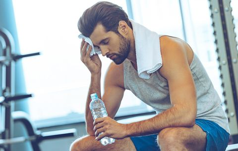 4 Signs You're Dangerously Dehydrated During Your Workout